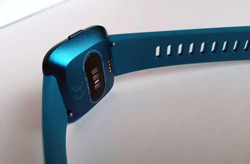 Fitbit Versa Lite Edition конструкция