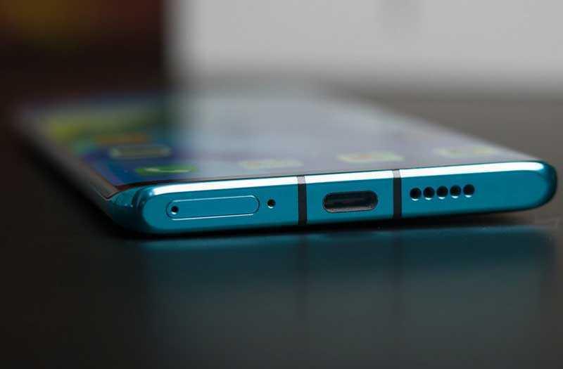 Huawei P30 Pro снизу