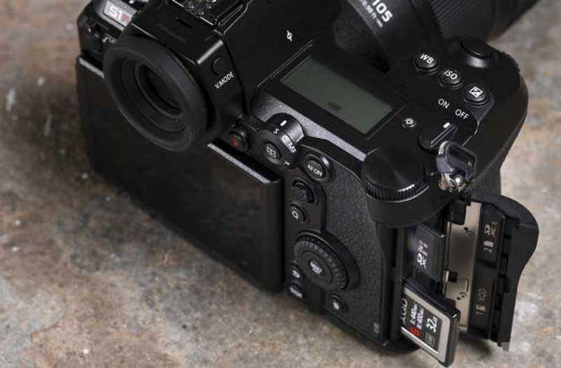 Lumix S1R от Panasonic