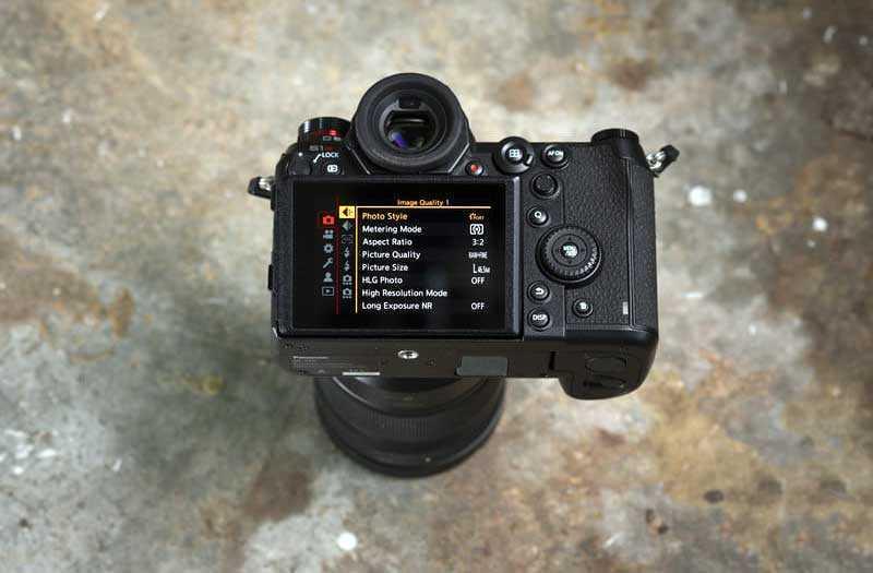 Характеристики Panasonic Lumix S1R