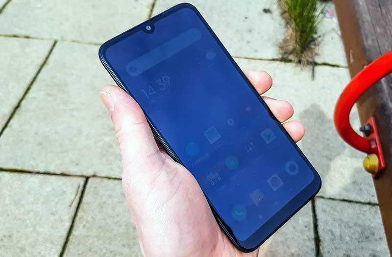 Xiaomi Redmi 7 дизайн