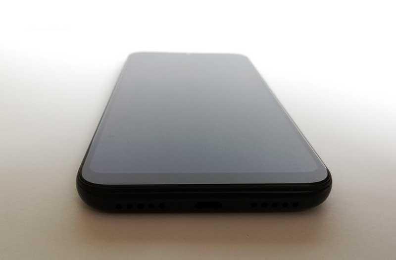 Xiaomi Redmi 7 снизу