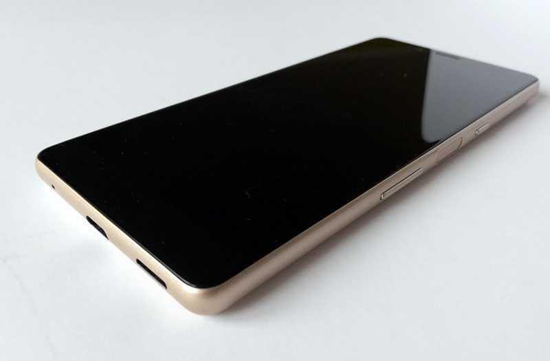 Sony Xperia L3 дисплей