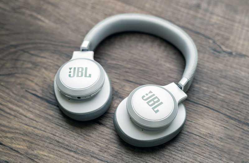 JBL Live 650BTNC качество звука
