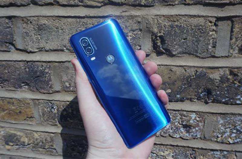 Motorola One Vision сзади