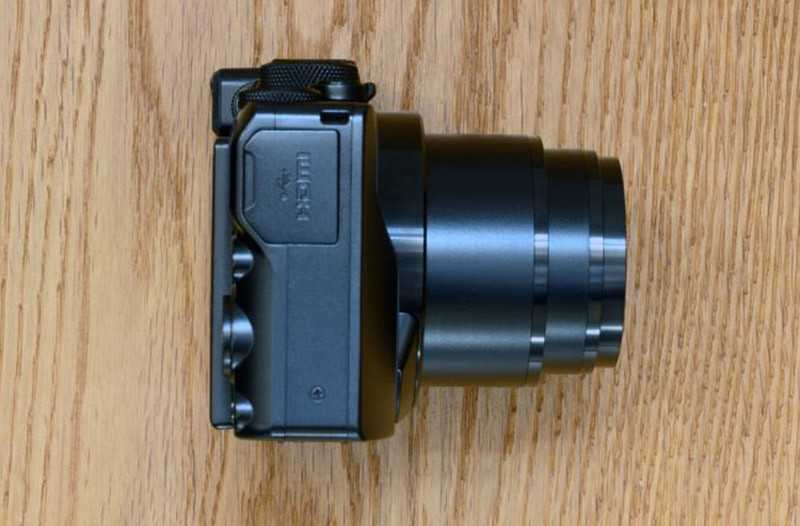 Nikon Coolpix A1000 сбоку