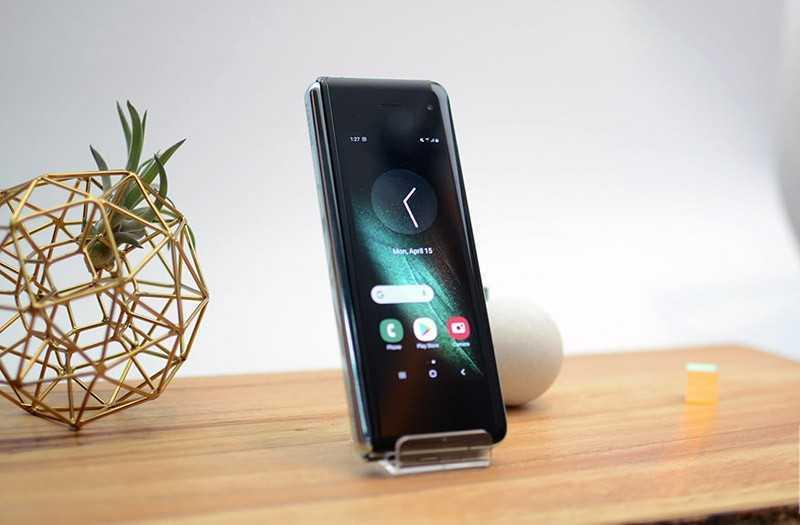 Samsung Galaxy Fold дизайн