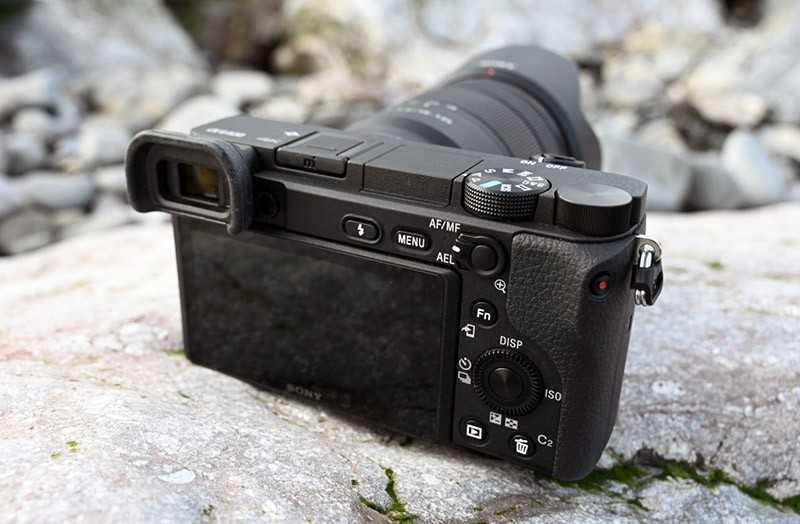 Sony A6400 фотокамера