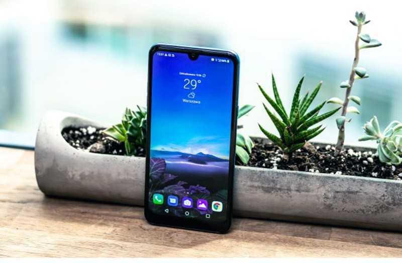 LG Q60 дизайн