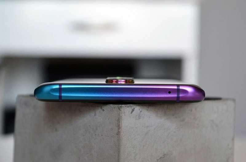 Oppo RX17 Pro сверху
