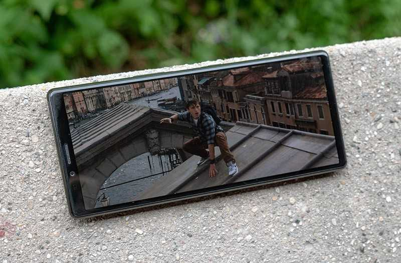 Sony Xperia 1 экран