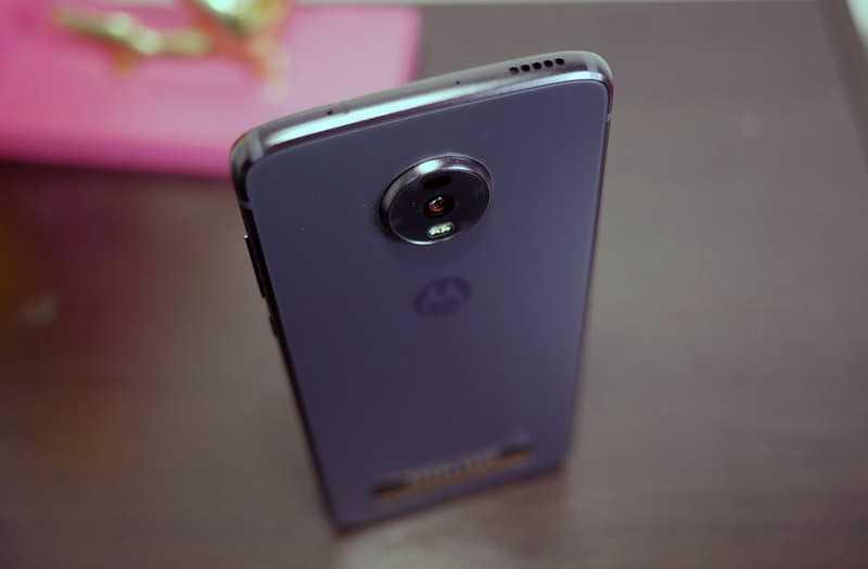 Обзор Moto Z4: обновлённый флагманский телефон с 5G