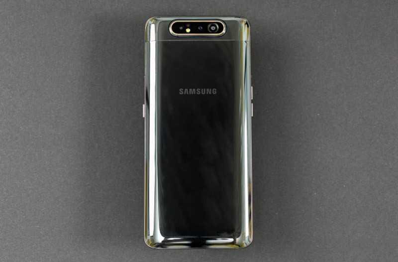 Samsung Galaxy A80 сзади