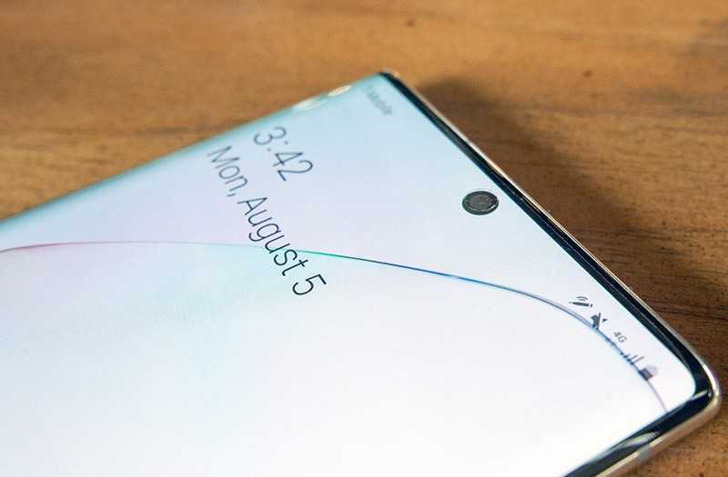 Samsung Galaxy Note 10 передняя камера