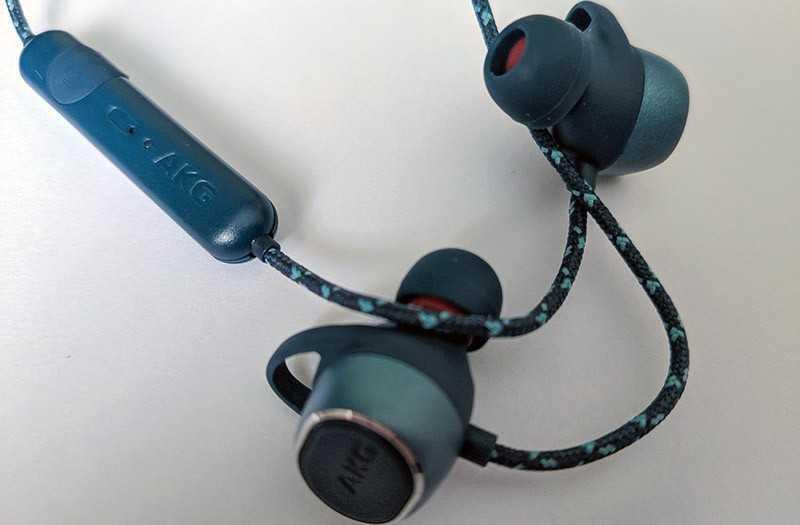 AKG N200 звук