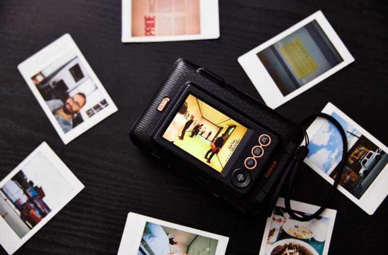 Фотокамера Fujifilm Instax Mini LiPlay