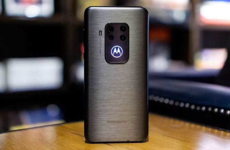 Обзор Motorola One Zoom