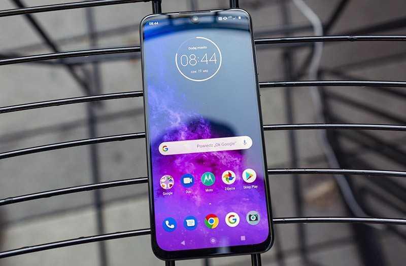 Motorola One Zoom ОС