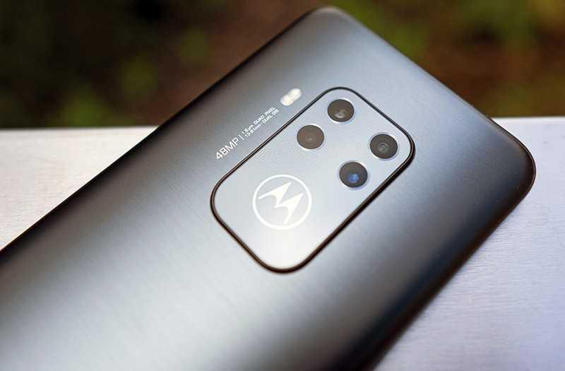 Смартфон Motorola One Zoom