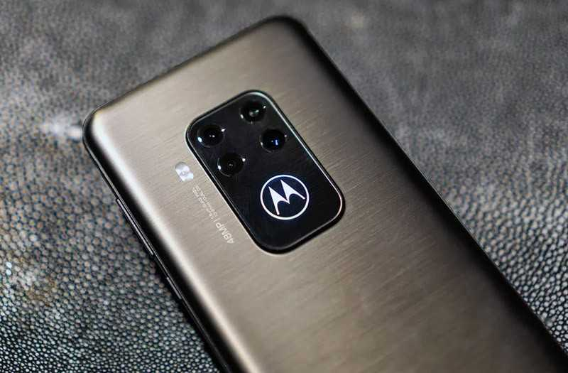 Motorola One Zoom отзывы