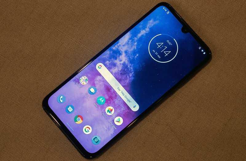 Телефон Motorola One Zoom