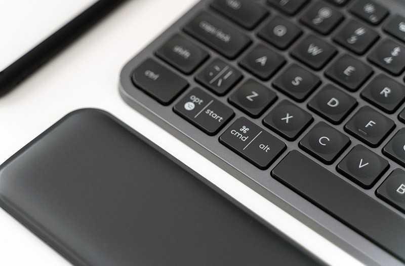 Logitech MX Keys удобство