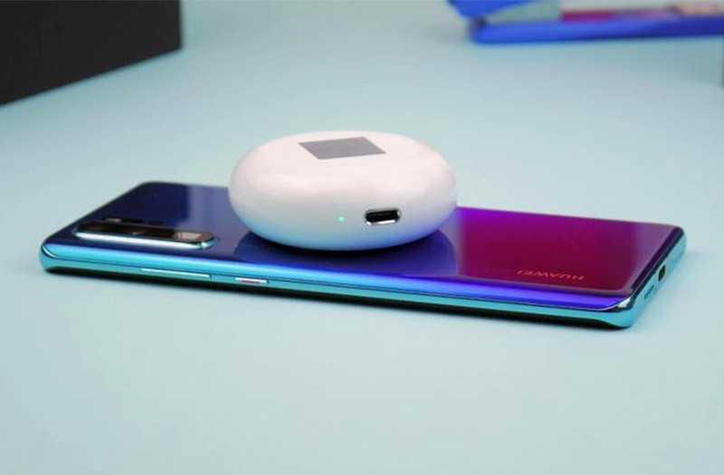 Huawei FreeBuds 3 беспроводная зарядка