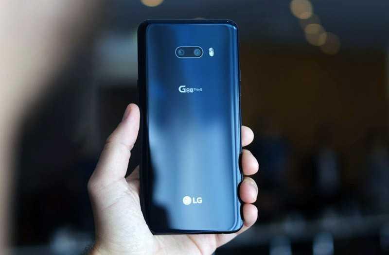 LG G8X ThinQ сзади