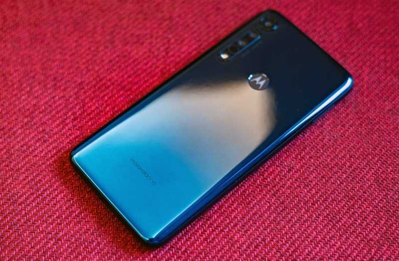 Motorola One Macro отзывы