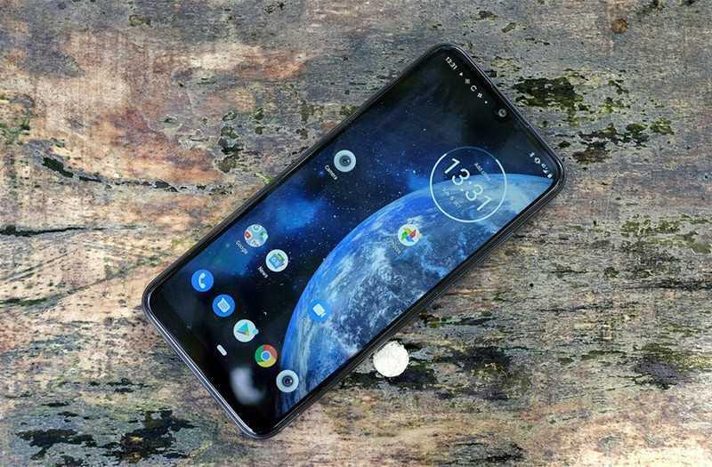 Motorola E6 Plus дисплей