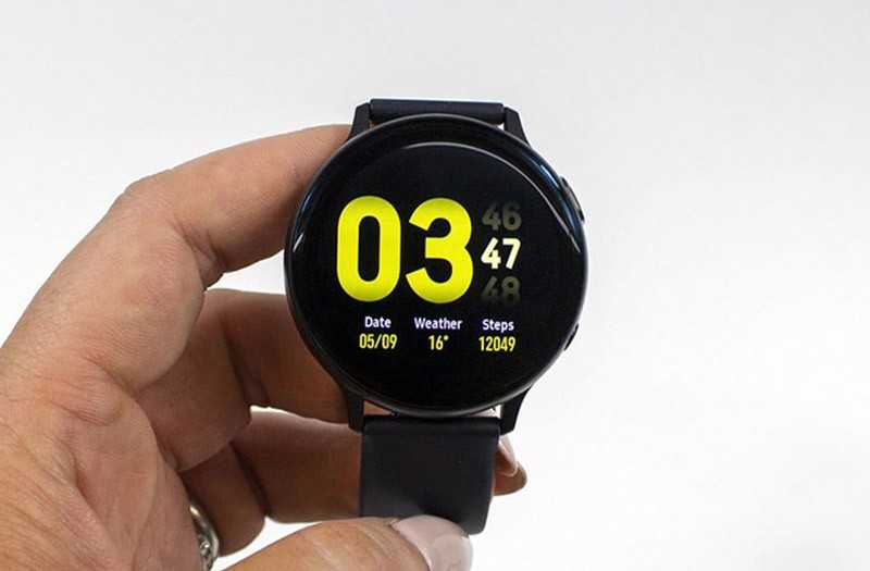 Samsung Galaxy Watch Active 2 экран