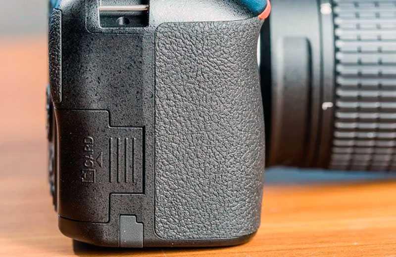 Nikon D3500 зеркалка