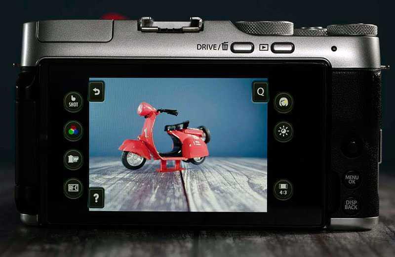 Fujifilm X-A7 дисплей