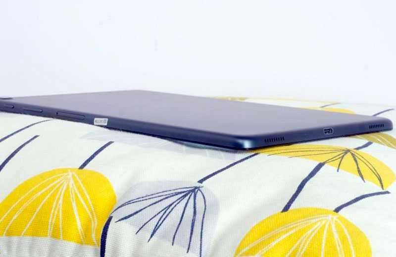 Samsung Galaxy Tab A 10.1 сбоку