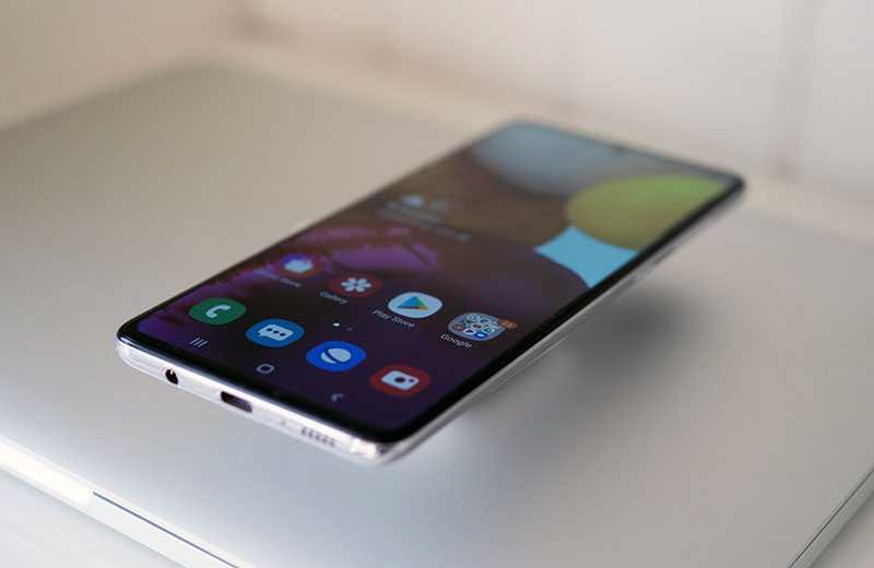 Samsung Galaxy A71 дисплей