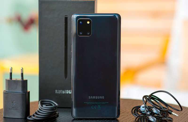 Samsung Galaxy Note 10 Lite из коробки