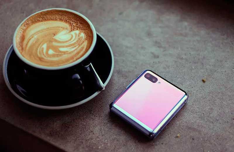 Samsung Galaxy Z Flip кладной смартфон