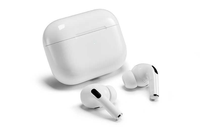 Apple AirPods Pro — наушники с активным шумоподавлением для iPhone