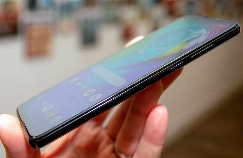 Motorola G8 Power экран под углами