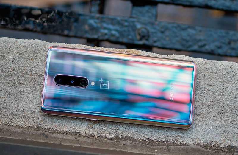 Телефон OnePlus 8