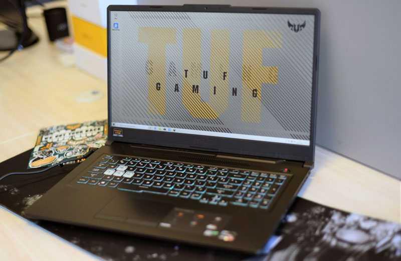 ASUS TUF Gaming A17 экран