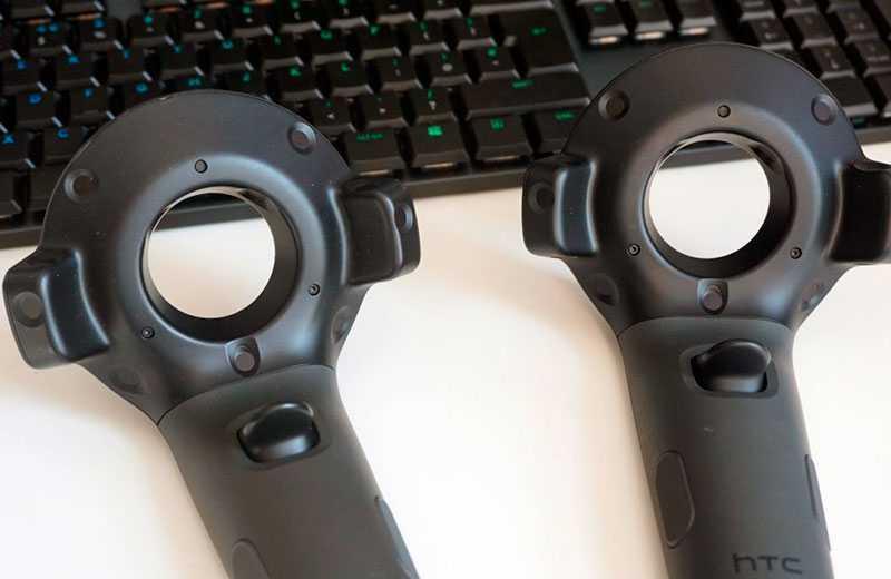 HTC Vive Cosmos Elite джойстики