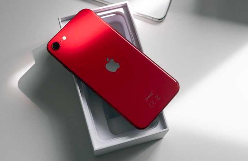 iPhone SE 2 в работе