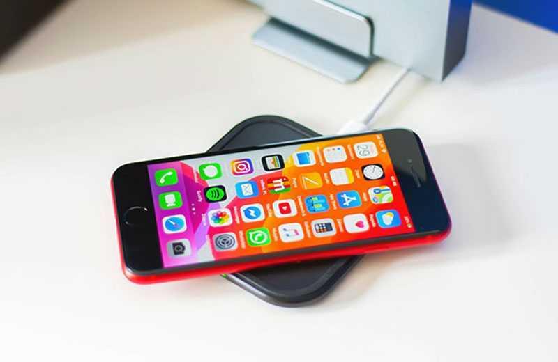 iPhone SE 2 беспроводная зарядка
