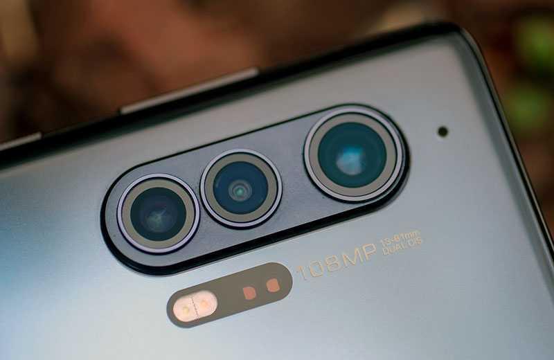 Камеры Motorola Edge Plus