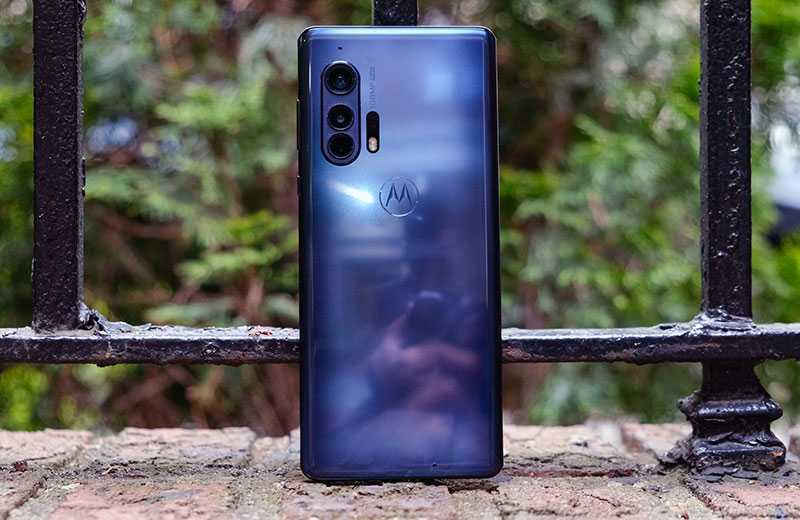 Motorola Edge Plus дизайн