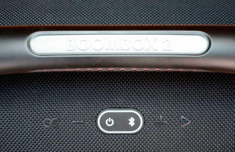 JBL Boombox 2 управление