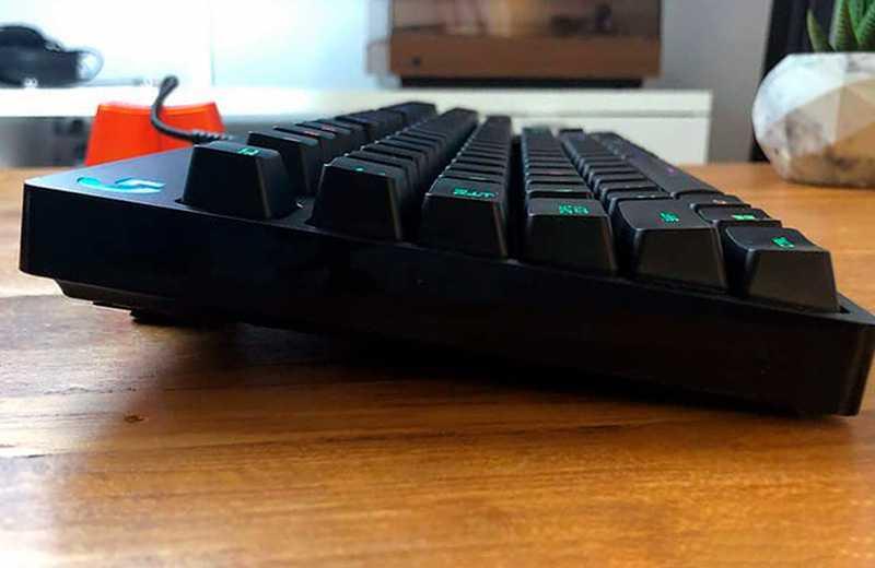 Клавиатура Logitech G Pro