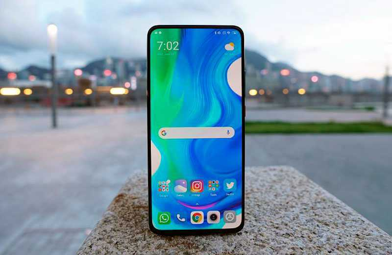 Xiaomi Poco F2 Pro дисплей