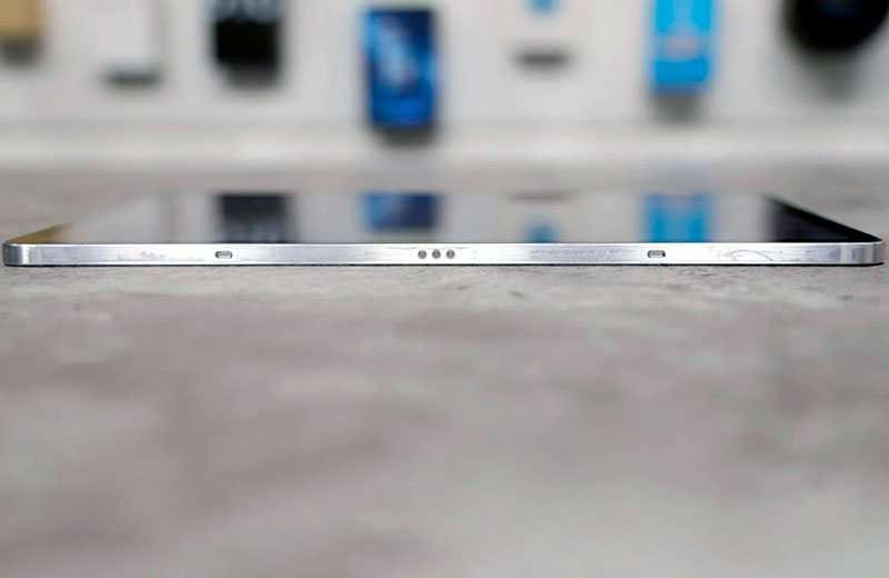 Samsung Galaxy Tab S7 сбоку